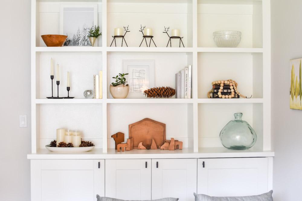 Christmas decor bookshelf minimalist