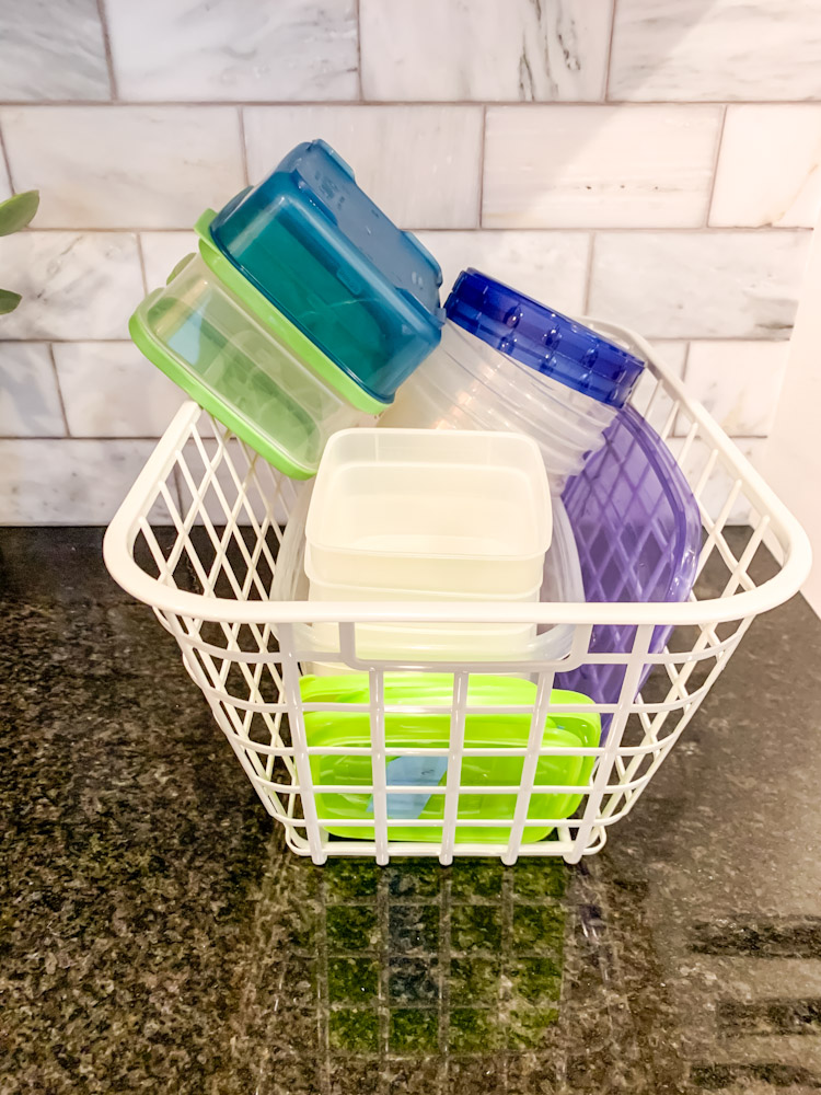 plastic food storage containers to donate
