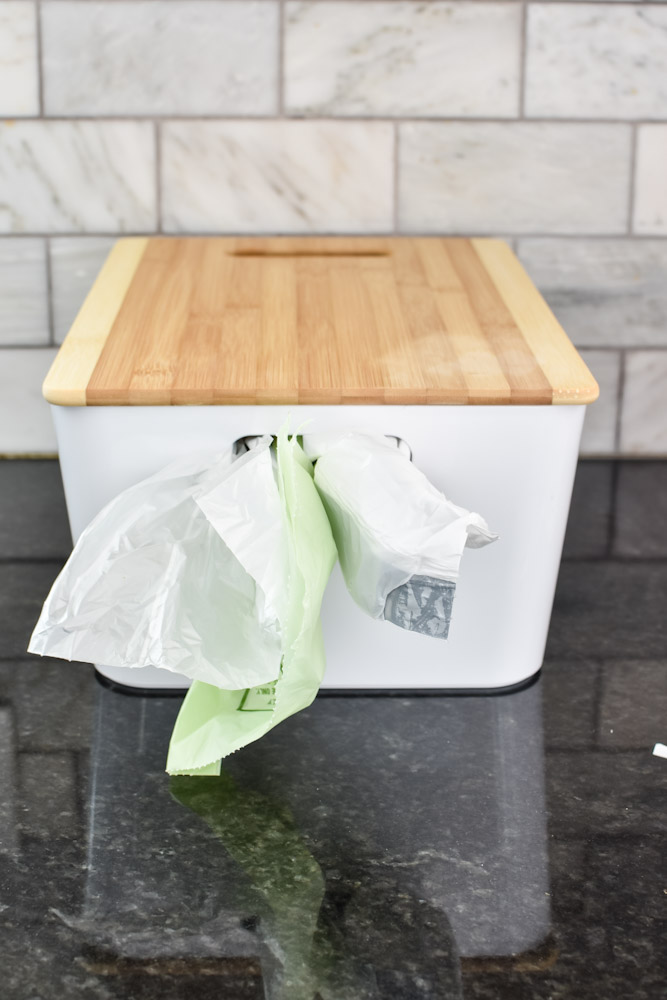 lidded trash bag dispenser
