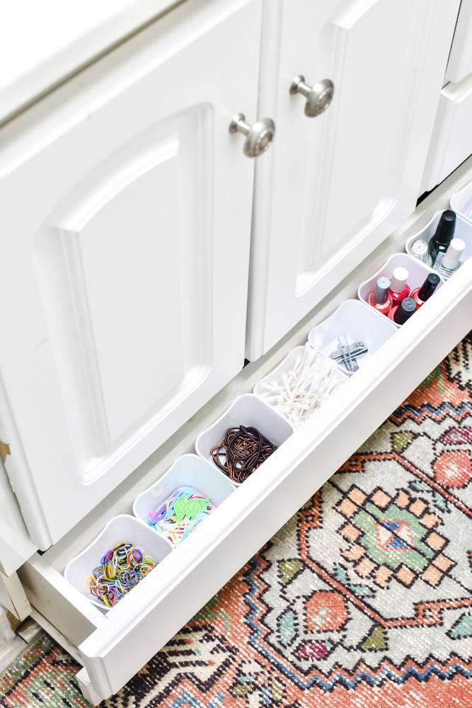 small drawer dividers in narrow bathroom drawer